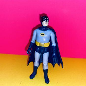 BHR030S1_SidewalkSurfers_Batman_600